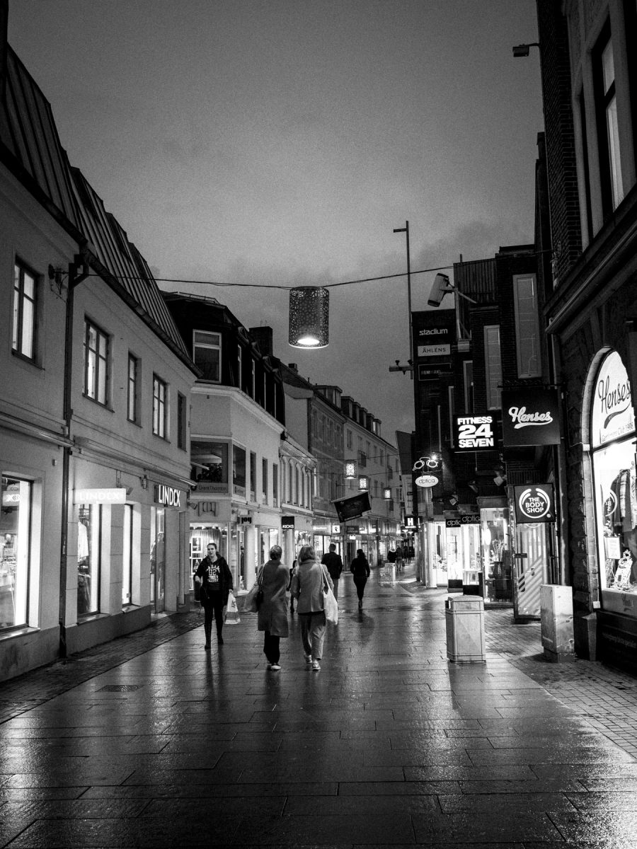 The pedestrian street in Helsingborg - a little shopping mecca, which closes early on saturdays...