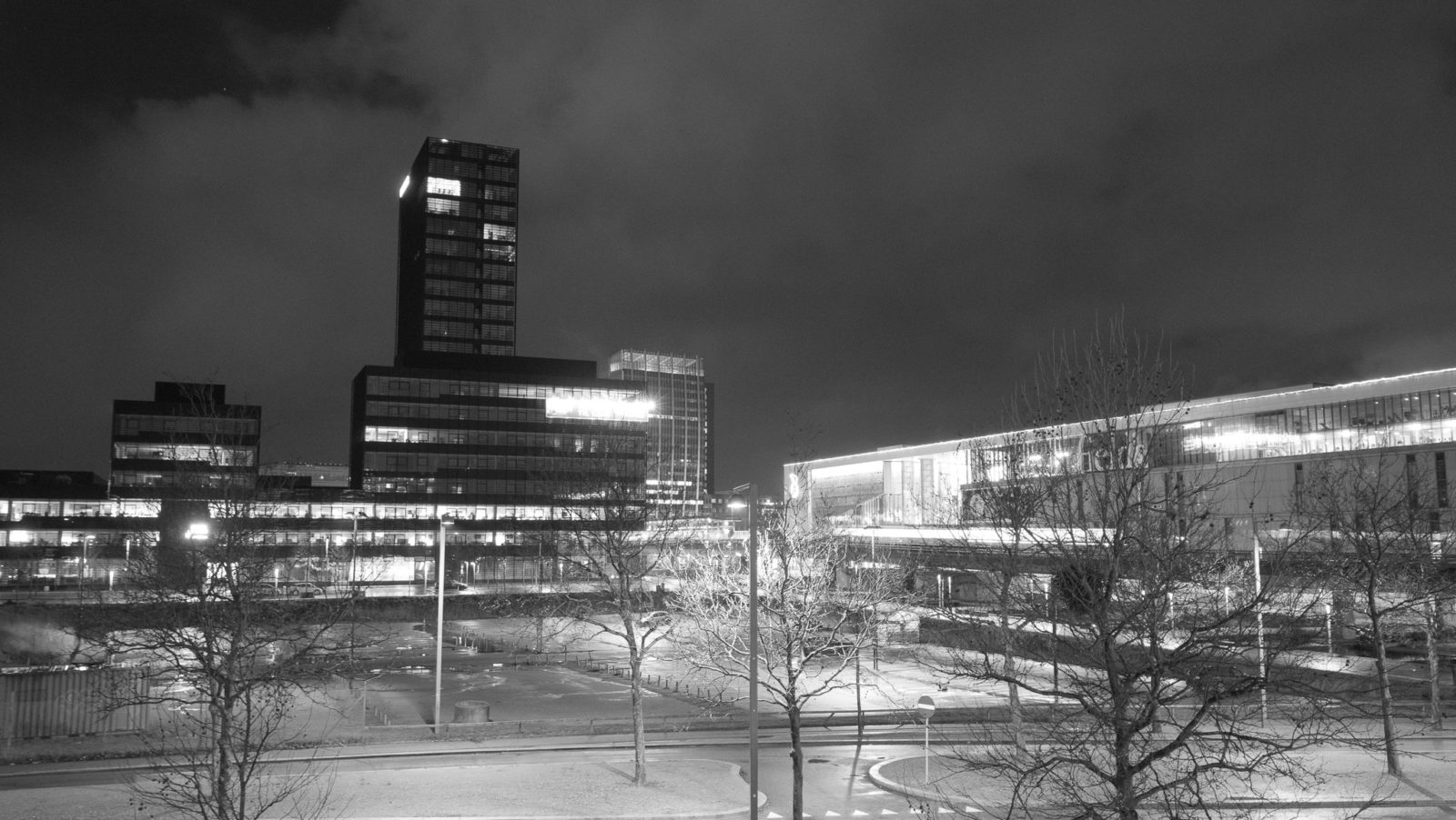 The Ferring high-rise and Fields - the desolate city center in Ørestad